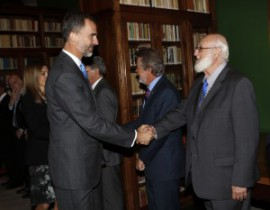 Prof. Piña-Rosales Presents New Spanish Dictionary to the King of Spain