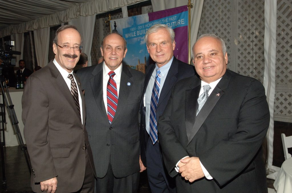 President Fernandez and Honorees at the 2011 Gala