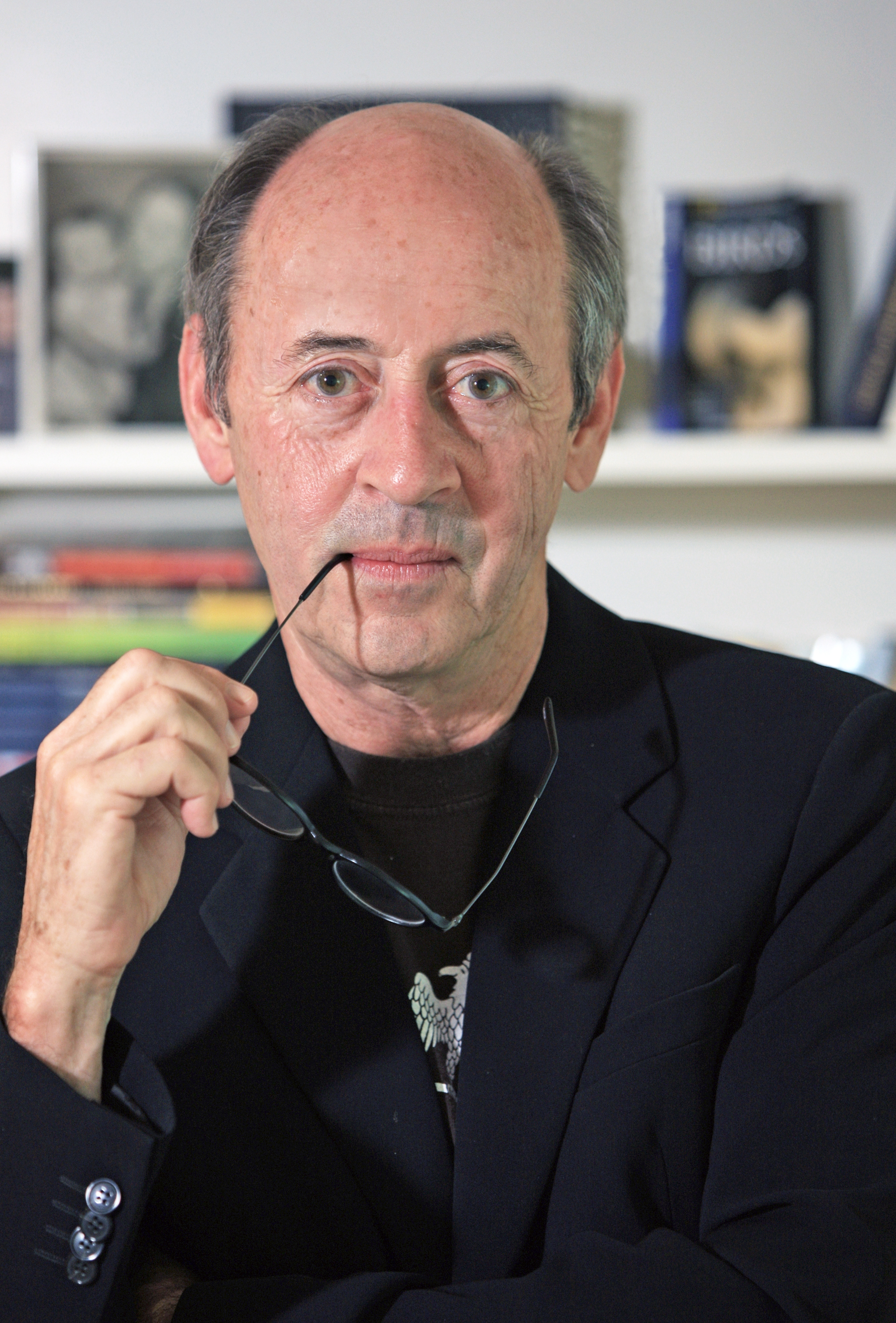 billy collins explication Exploring contrasts in the lanyard, by billy collins in the lanyard, by billy collins, the speaker remembers a gift he made for his mother.